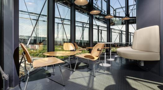 Bolt Café